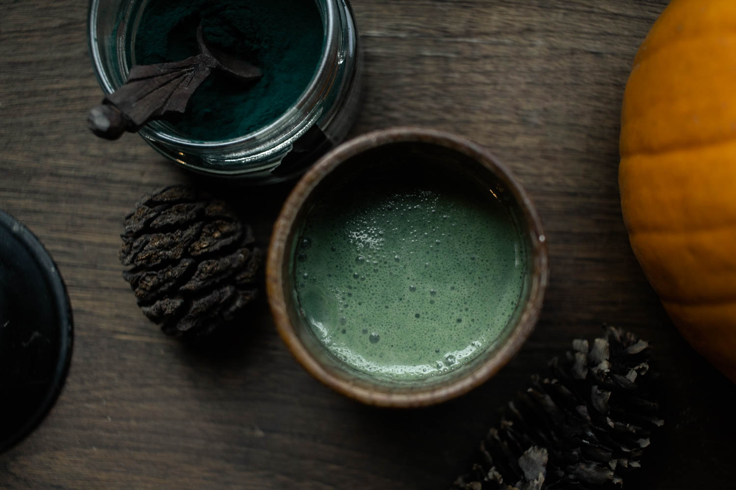 Matcha and spirulina latte